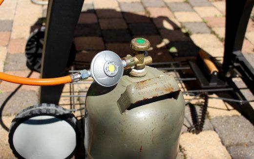 Gasgrill sicherer machen (Bildrechte: FRAGDENSTEIN.DE/ Stein)